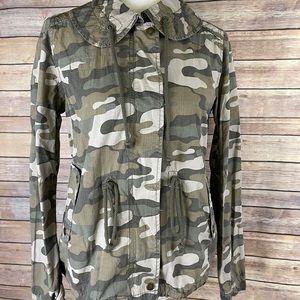 American Eagle women's medium camo utility jacket